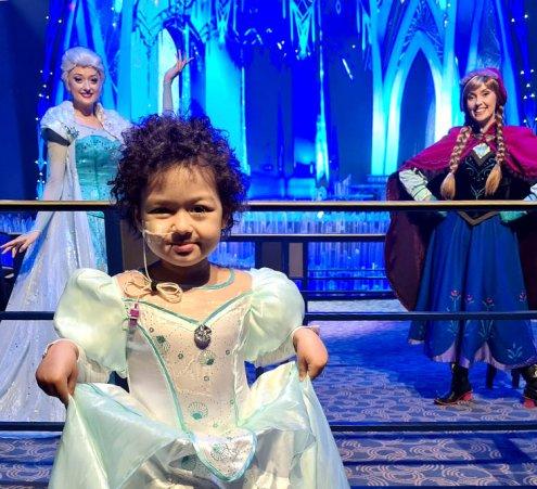 Tessa, un rêve de princesse à Dinseyland Paris