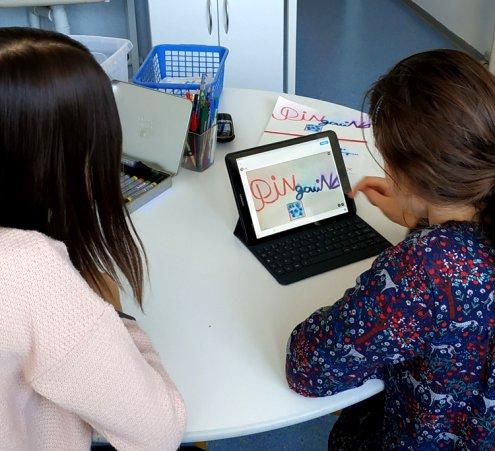 Des tablettes au service de la scolarité au CHU de Poitiers