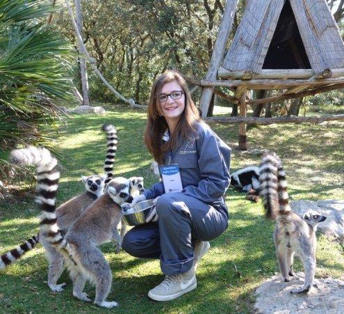 Apprentie soigneuse au zoo de la Barben