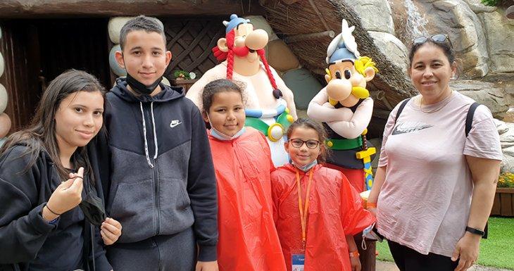 Un séjour au Parc Astérix pour Yasmine et sa famille