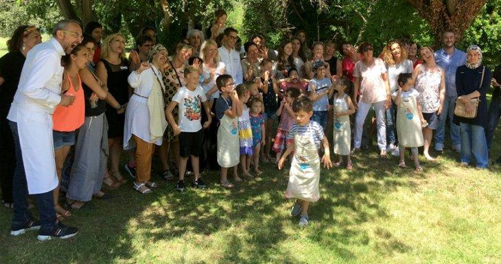 Des enfants de la Timone cuisinent avec des chefs étoilés