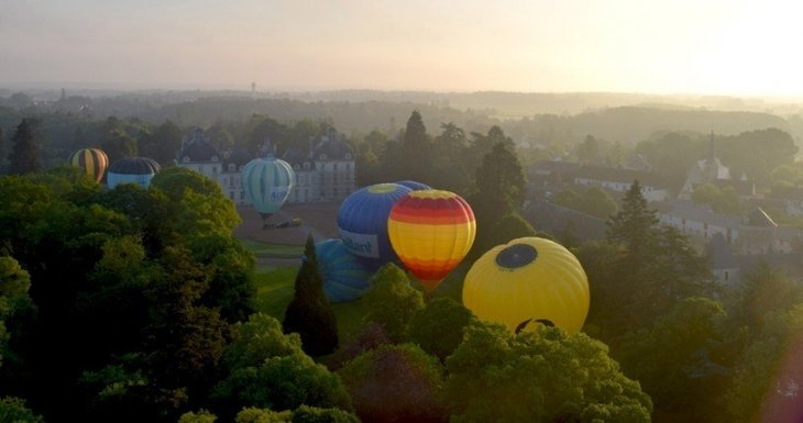 Vol en montgolfière et vie de château !